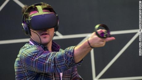Facebook exec says the future of VR will be cheaper and