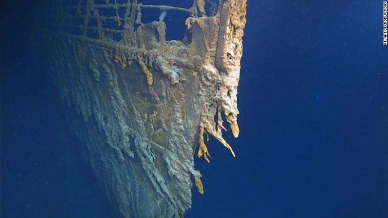 First Titanic dives in 14 years show