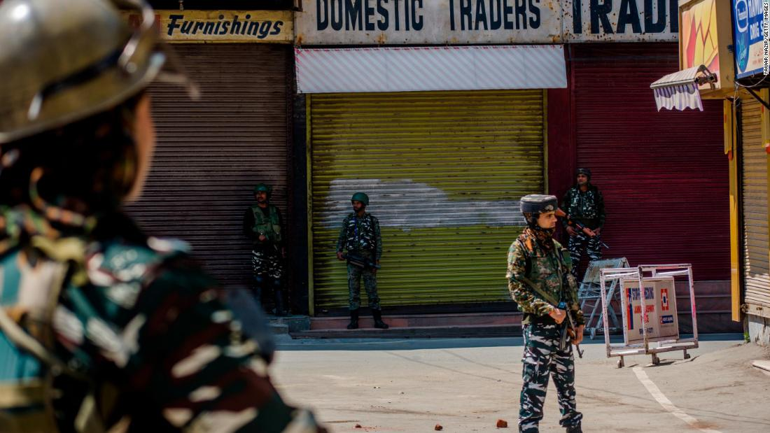 Indian opposition leaders refused entry into Kashmir