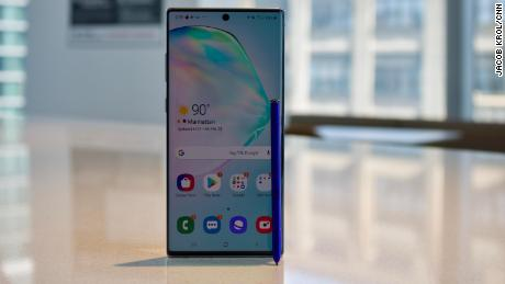 Samsung Galaxy Note 10+ Review: Top hardware and a vibrant