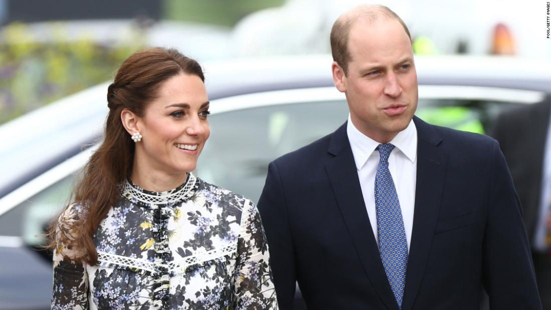 William and Kate take budget flight after Harry and Meghan slammed over private jets