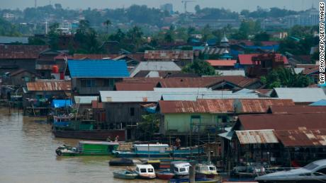 Indonesia to build new capital as Jakarta sinks into sea