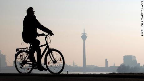 A German politician has suggested that cyclists get an extra day's vacation.