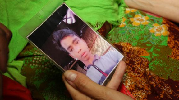 A picture of Khurshida Begum's then-missing son Mohammad Faisal.