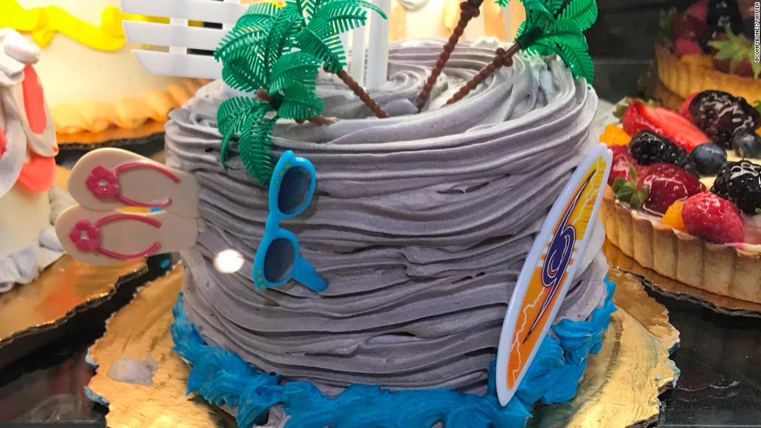 Admirable More Hurricane Themed Cakes Surface At Florida Publix Stores Cnn Funny Birthday Cards Online Fluifree Goldxyz
