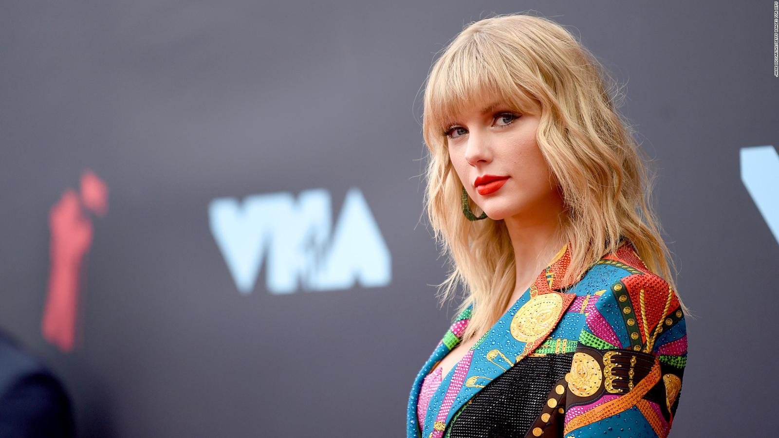 taylor swift is coming back to the voice as a mentor cnn video taylor swift is coming back to the voice as a mentor