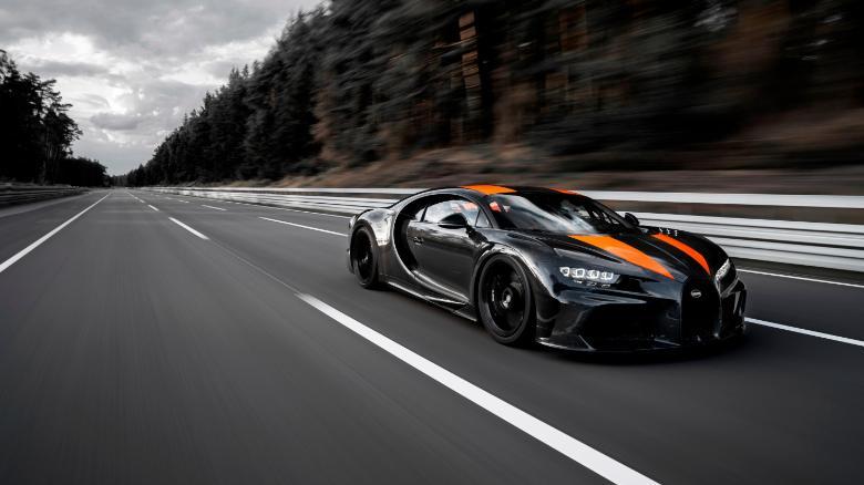 Watch Bugatti break the world speed record