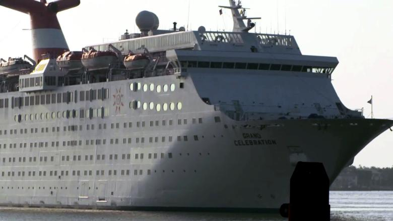 cruise ship bahamas hurricane dorian evacuees arrives flores sot nr vpx_00000224