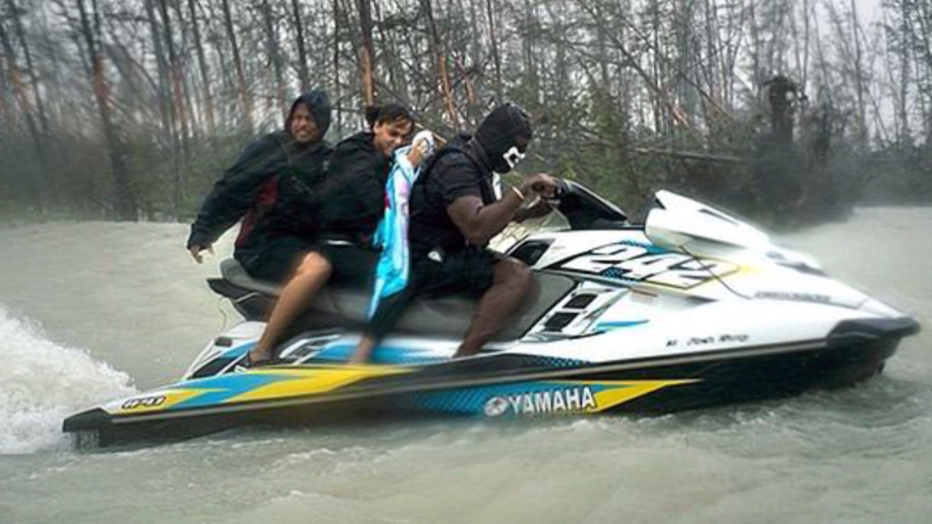 Jet Skiers Saved 100 People Trapped In Flooded Homes In The Bahamas Cnn