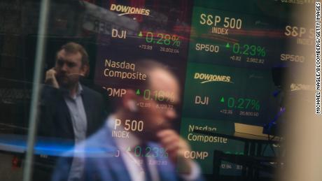 Trump calls for subzero interest rates. That could backfire