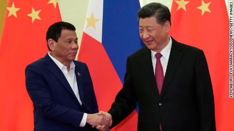 Duterte says Xi Jinping offered him an oil and gas deal to ignore South China Sea ruling