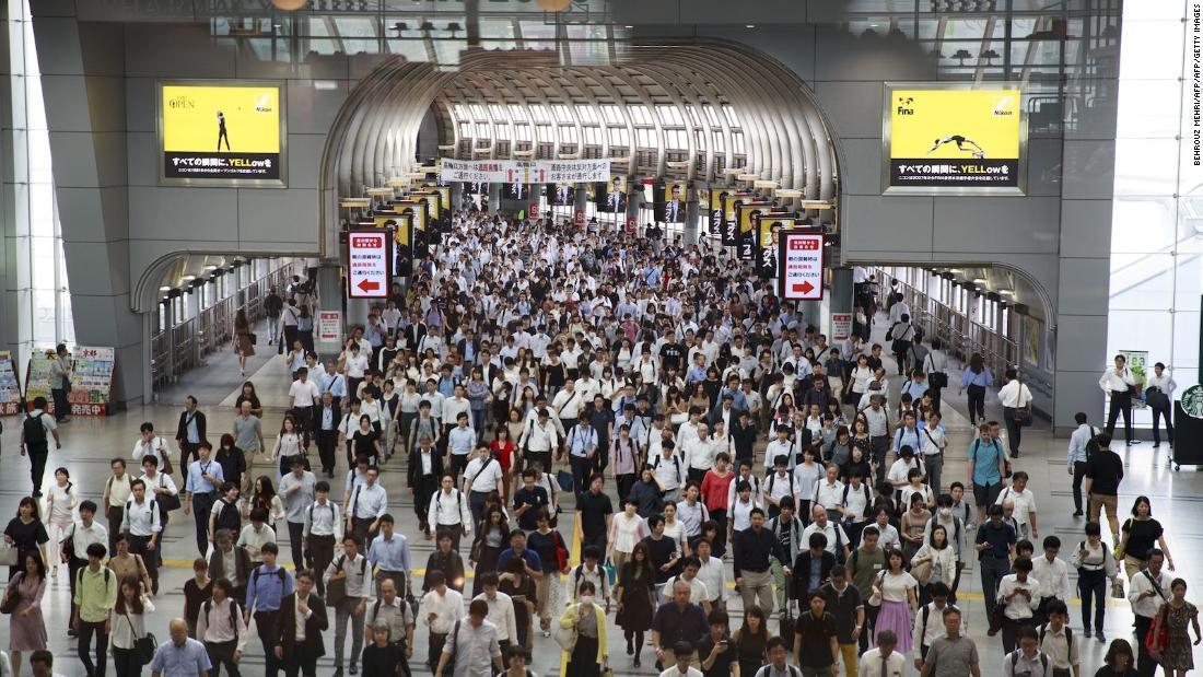 Mann verhaftet, verlassen Vater bleibt in einer U-Bahn-Toilette, Polizei sagen
