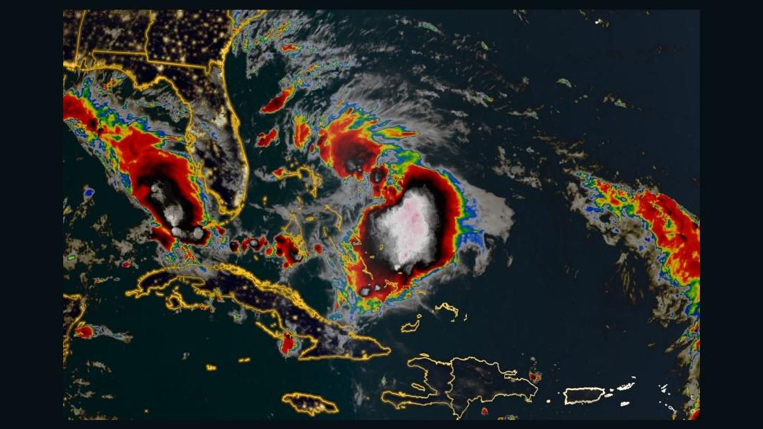 熱帯雨ウンになる事が期待されているハリケーンでの後退バハマ
