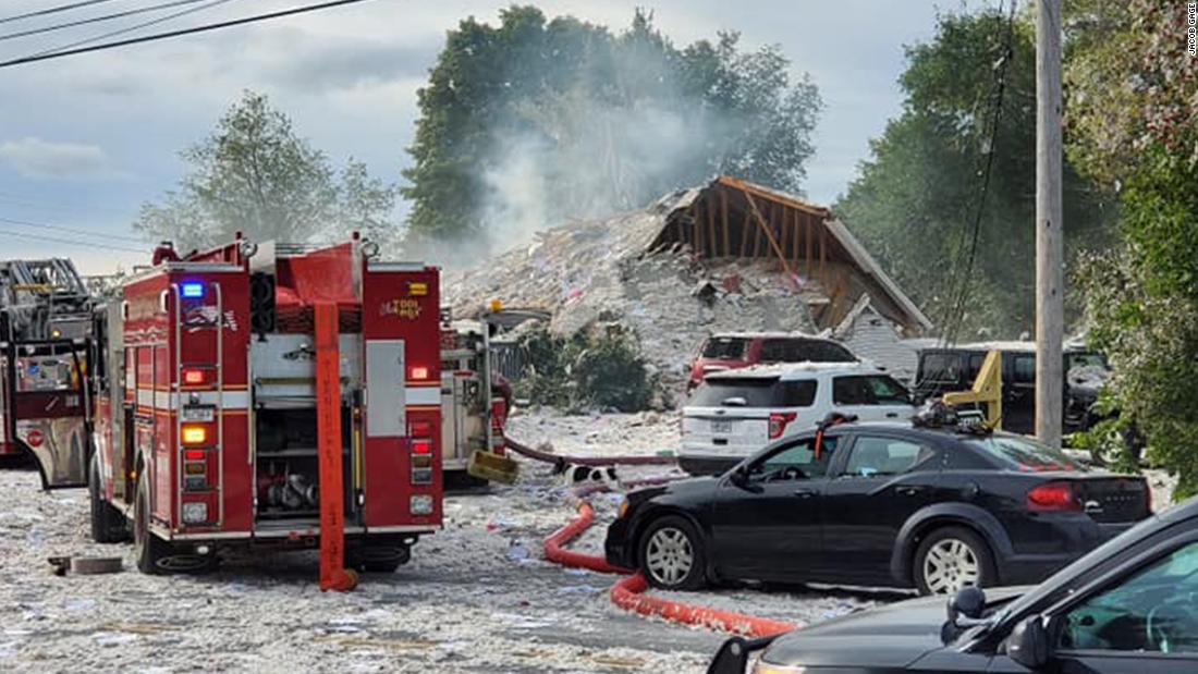 Maine Gouverneur bestätigt, der Feuerwehrmann den Tod. Mehrere Menschen wurden verletzt in Farmington, Maine explosion