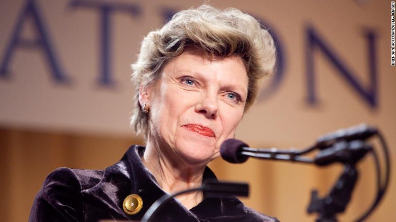 Journalist Cokie Roberts passes away at 75