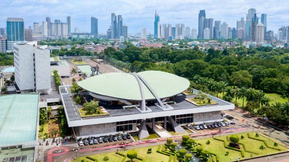 All factions in Indonesia's parliament agreed to a revision to the country's existing marriage law.