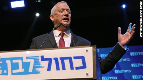 Netanyahu and Gantz to begin discussions of possible Israeli unity government