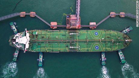 China depinde de petrolul străin. Atacul saudit este un steag roșu