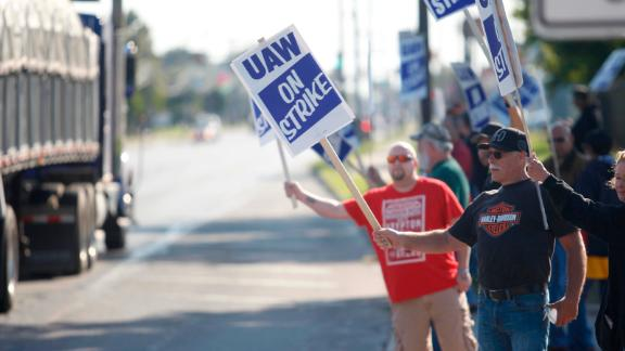 United Auto Workers union members on the picket line at the GM powertrain plant in Toledo, Ohio, on Wednesday.