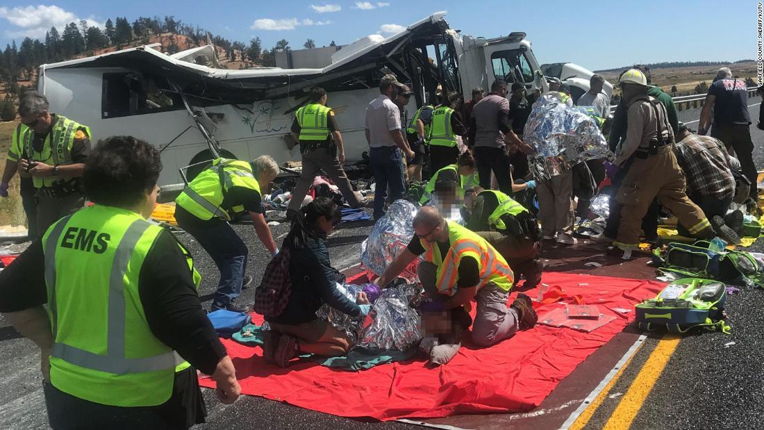 Four tourists killed in Utah bus crash