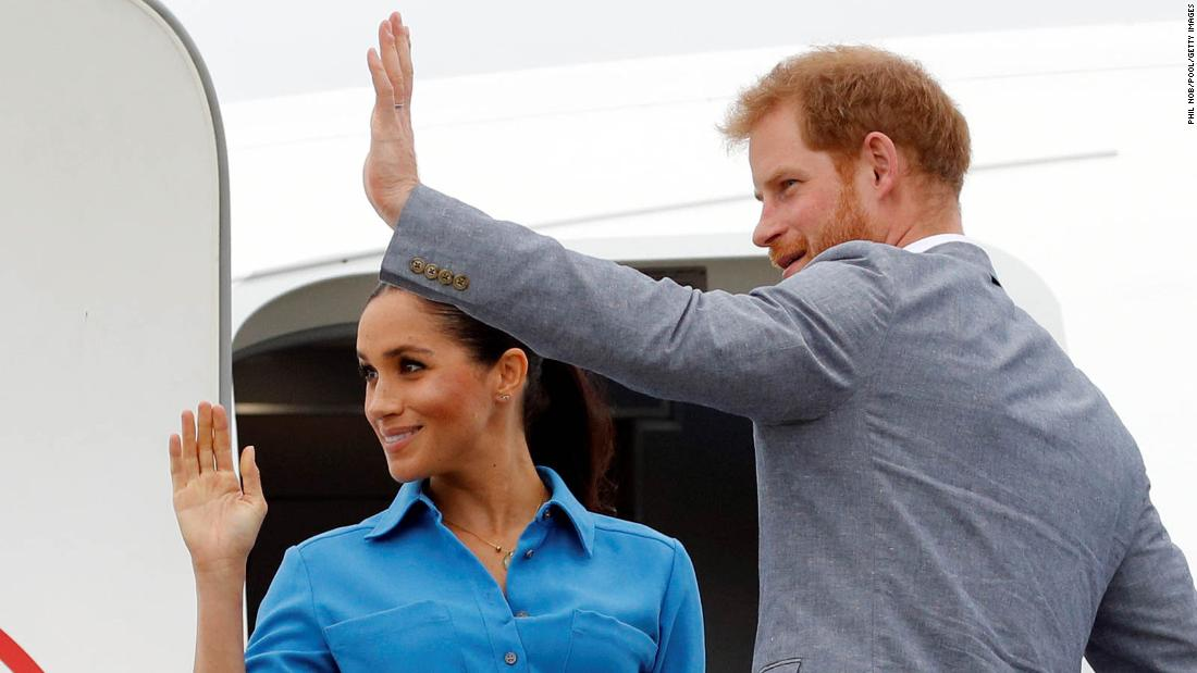 Harry and Meghan fly among us -- but you'd never know
