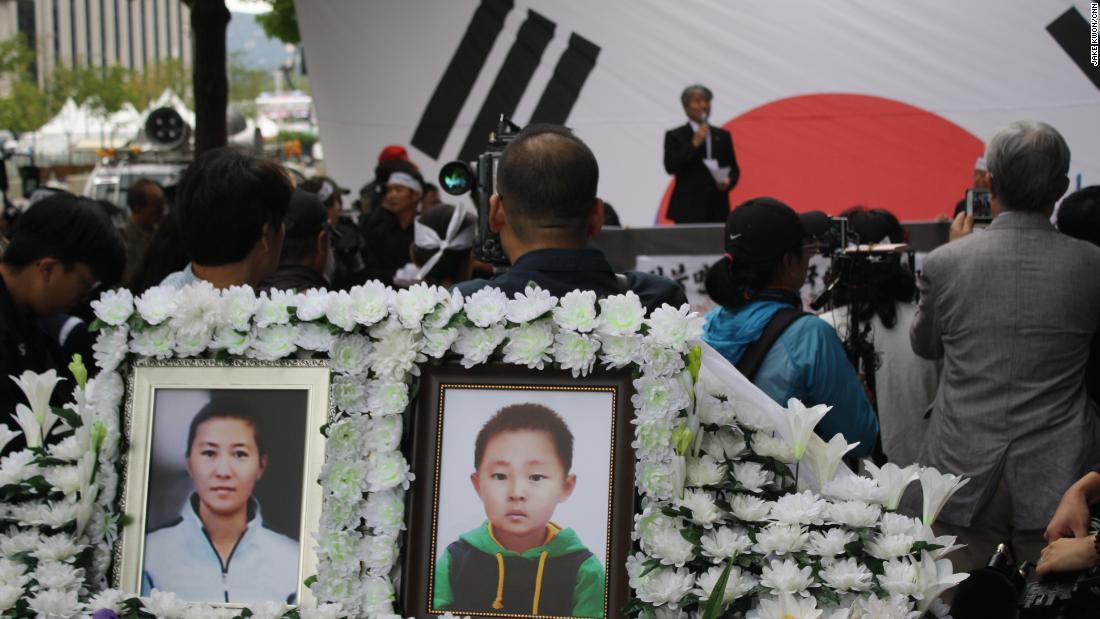 Mutter und Sohn Mangels aus N. Korea, verhungern in S. Korea