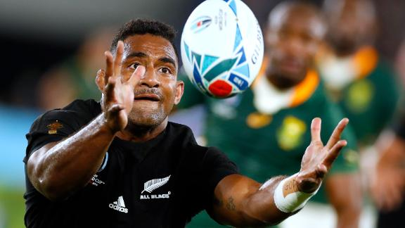 New Zealand's wing Sevu Reece catches the ball during the Japan 2019 Rugby World Cup Pool B match between New Zealand and South Africa at the International Stadium Yokohama in Yokohama on September 21, 2019. (Photo by Odd ANDERSEN / AFP)        (Photo credit should read ODD ANDERSEN/AFP/Getty Images)
