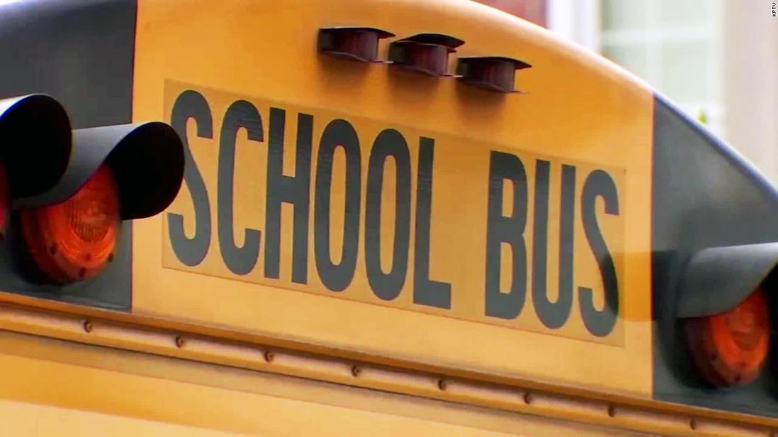 Μαθητή να 911: Ο οδηγός του λεωφορείου, μυρίζει αλκοόλ
