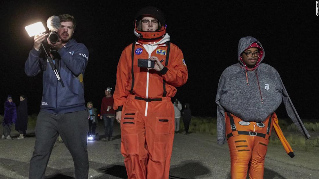 Δεν υπάρχουν εξωγήινοι, 2 συλληφθεί στην