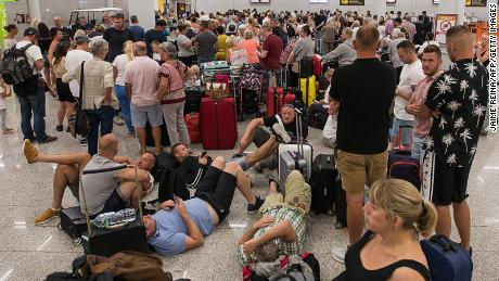 Tearful last Thomas Cook flight as travelers scramble to get home