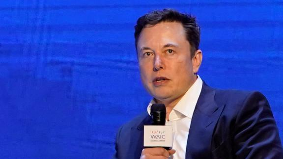 FILE PHOTO: Tesla Inc CEO Elon Musk attends the World Artificial Intelligence Conference (WAIC) in Shanghai, China August 29, 2019. REUTERS/Aly Song/File Photo