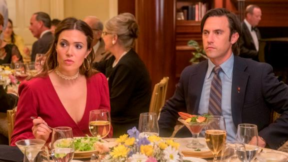 """Rebecca (Mandy Moore) and Jack (Milo Ventimiglia) had an awkward meet-the-parents night in the season premiere of """"This Is Us."""""""