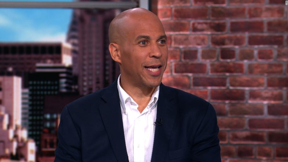 Booker: Trump is running the White House like its his own private business