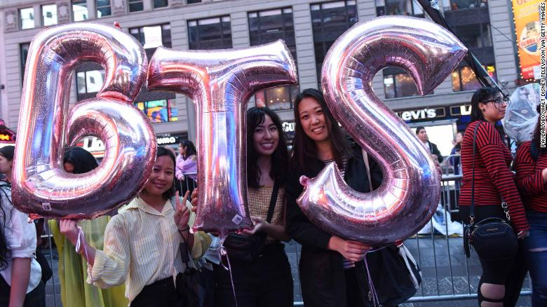 Fans ouside Times Square Studios on September 26, 2018, where BTS was set to perform.