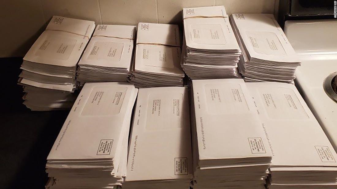 Μια γυναίκα στο Μέιν λέει ότι πήρε 500 επιστολές από Ηνωμένες υγειονομικής Περίθαλψης εντός πέντε ημερών
