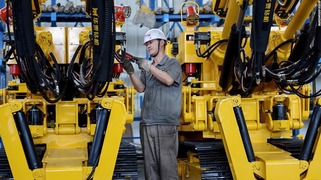 アジアの株主に秋には中国のデータおよび貿易の不確実性
