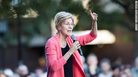 Elizabeth Warren's increasing popularity is limited to Democrats