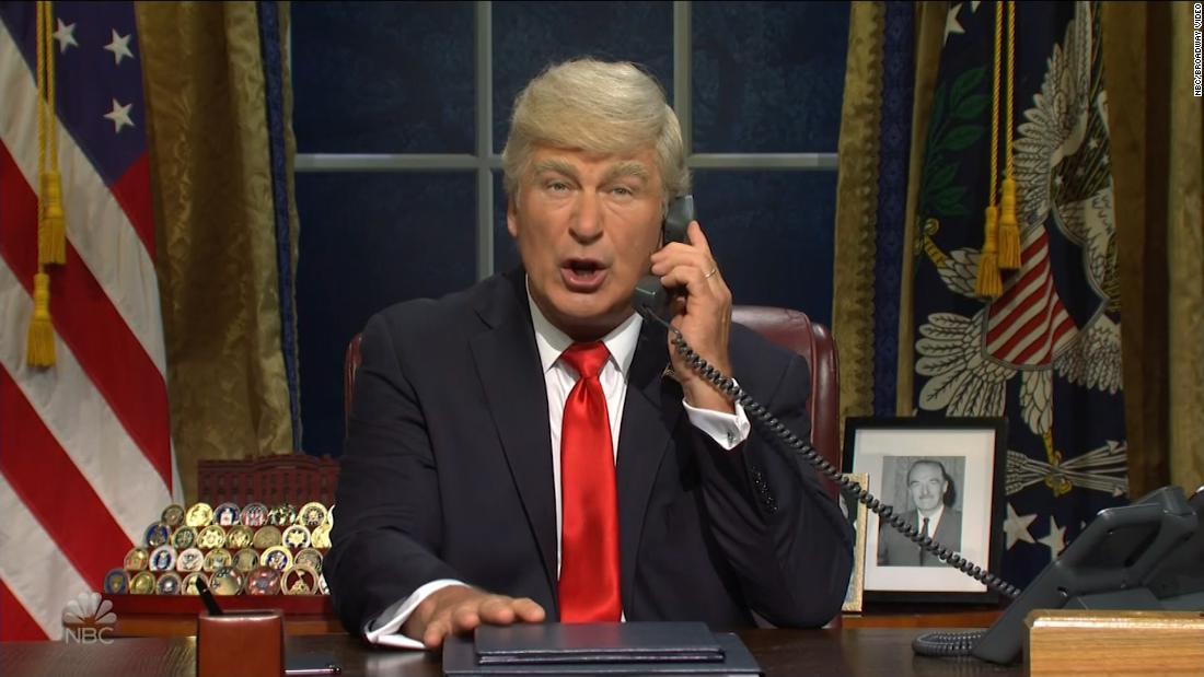 'SNL' has Baldwin's Trump making phone calls to talk impeachment