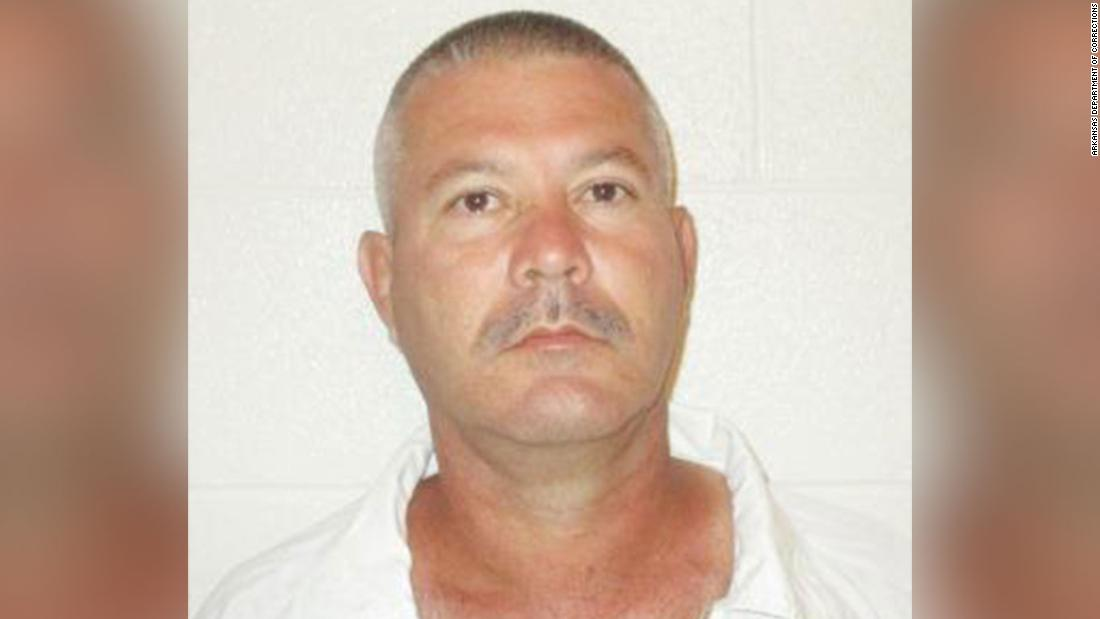 Verurteilter Mörder entkommt Gefängnis wieder ...