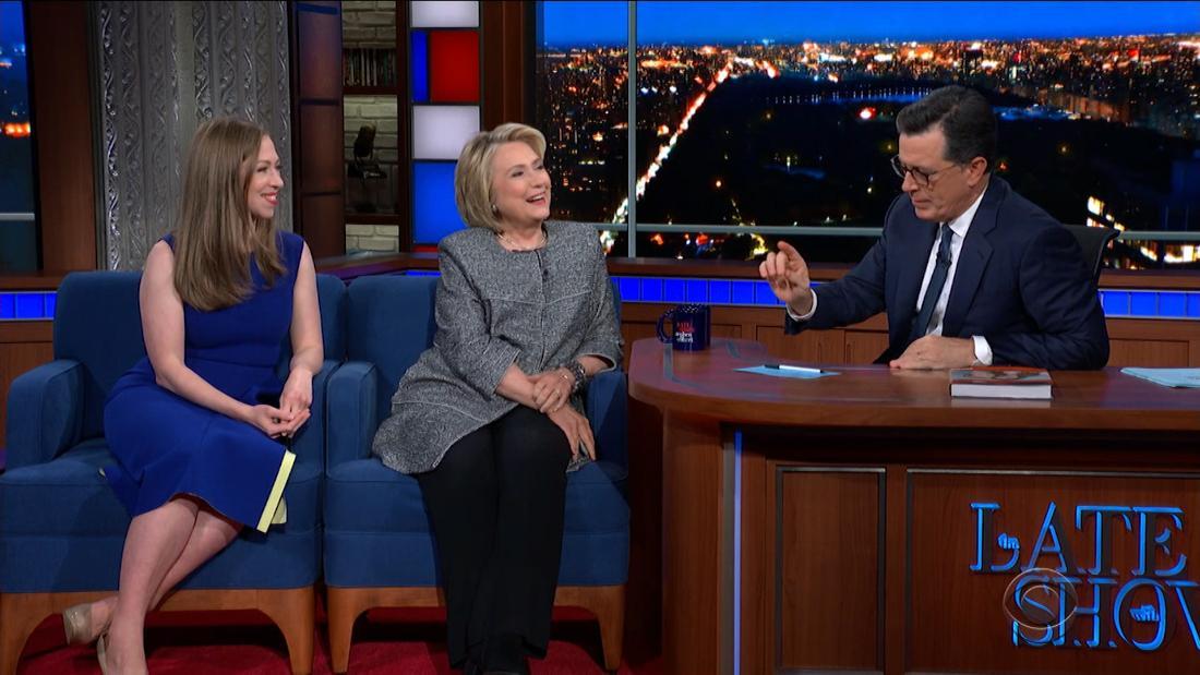 Colbert untuk Hillary Clinton: itu waktu untuk mengunci Trump up?