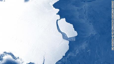 The D-28 iceberg calving off the front of the Amery Ice Shelf.
