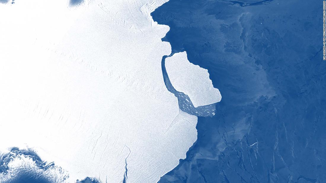 Vast iceberg bigger than Los Angeles breaks off Antarctic shelf