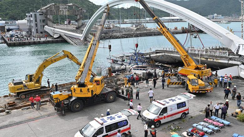 201910 An operation bridge collapses in Taiwan