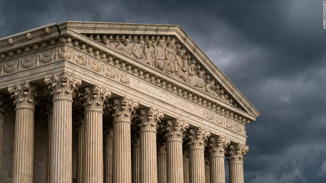 Bersejarah Mahkamah Agung argumen hari ini di LGBTQ tempat kerja hak sengketa