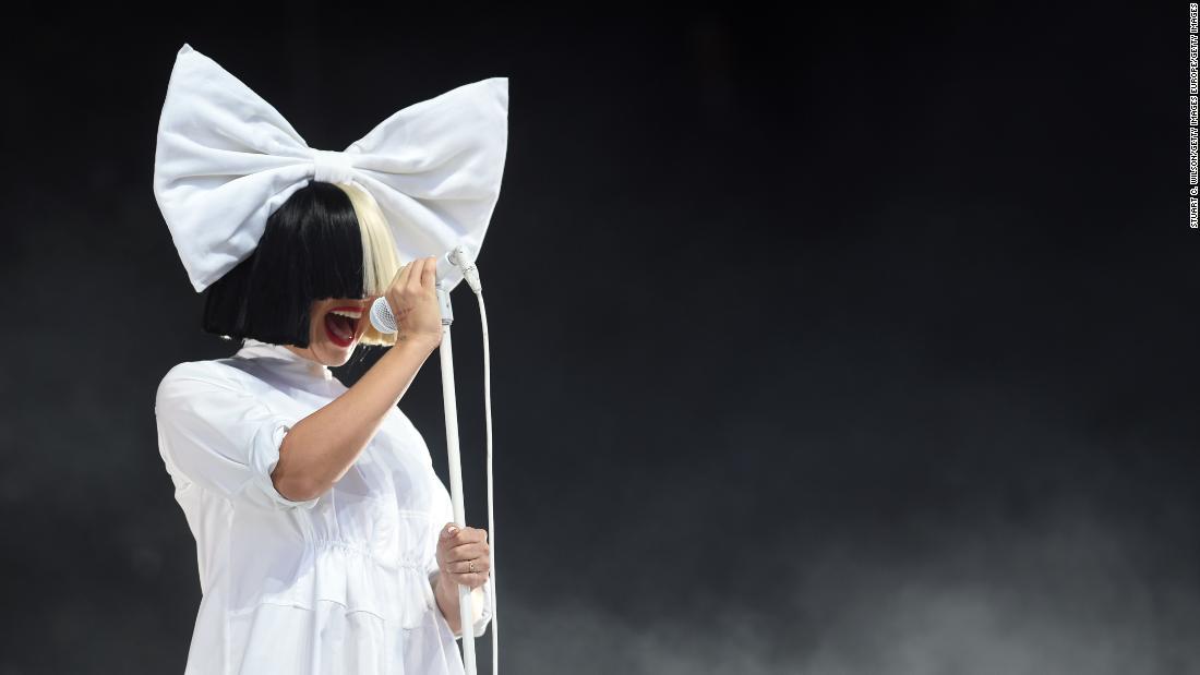 Sänger kündigt an, Sie hat eine neurologische Krankheit