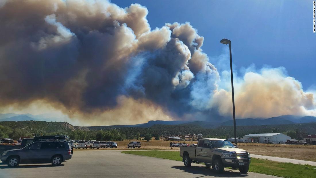 Από 6.000 στρεμμάτων φωτιά που καίει στο Κολοράντο