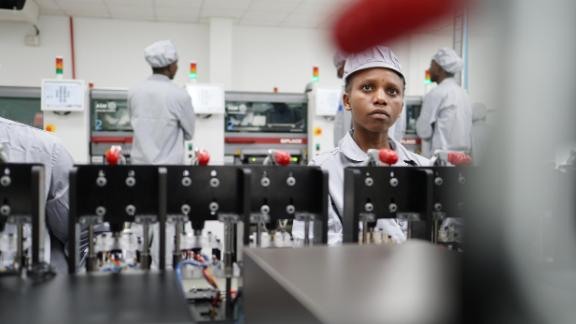 The factory currently employs around 200 people, of which 90% are Rwandan and 60% are women.