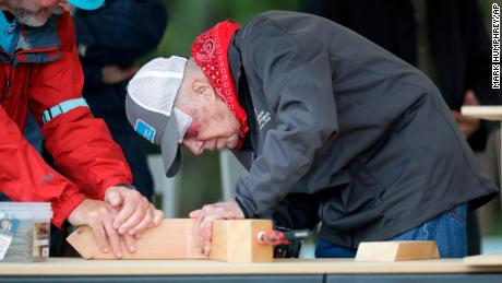 Despite 14 Stitches And A Black Eye Jimmy Carter Is Back Building Homes Alongside Volunteers Cnn