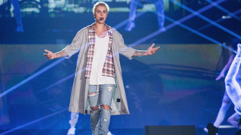 Lyme teşhisi konulan Justin Bieber hayranlarını üzdü!