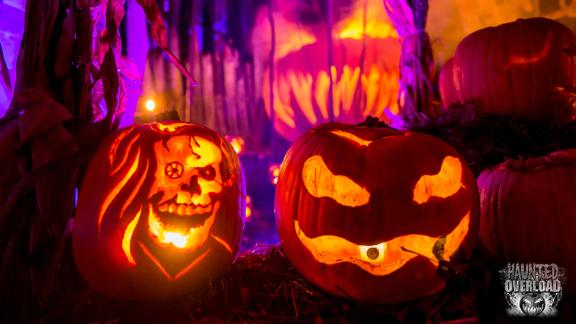 Haunted Overload (Lee, New Hampshire): Do you carve the pumpkins -- or do they have plans to make a carving out of you?